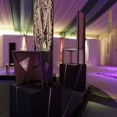 CONVERSAZIONE – Installazione - Pierrot Lunaire - Omaggio a  Schoemberg – sedie in legno multilaminare lavorato a scalpello e intarsio, h. cm 170 - 2007