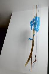FIORE SOLITARIO - Xilografia e interventi in foglia oro e rame. Esemplare unico stampato dall'artista su lastra di plexiglass. Cm 200 x 35