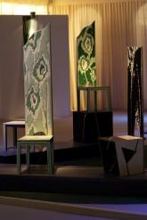 CONVERSAZIONE – Installazione - Primavera - sedie in legno multilaminare - lavorato a scalpello e intarsio, h. cm 155-170 - 2008