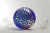 SOGNI CURVI SETTE - Pittura a foglia oro su lastre di metacrilato termoformato dall'artista Diametro sfera cm 60 - 2011